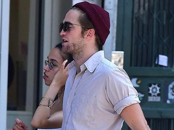 FKA twigs Gets Racist Comments For Dating Robert Pattinson