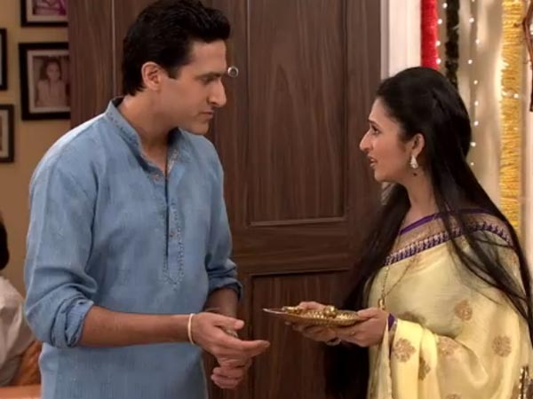 Mani To Bring Spice In Raman-Ishita's Love Life Very Soon: Yeh Hai Mohabbatein!