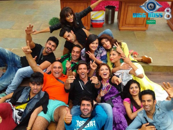Hrithik Roshan's Seflie With BB Contestants