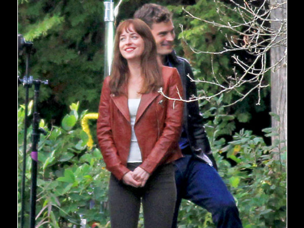 Dakota (Anastasia) & Jamie (Mr. Grey) Kiss During Reshoot