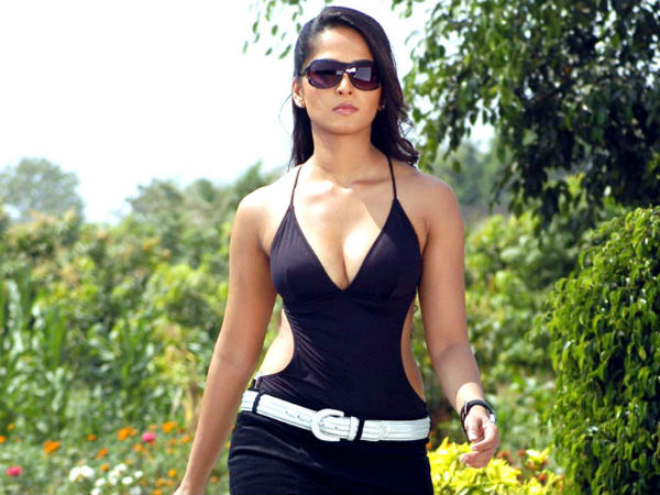 A Hot Picture Of Anushka From Billa