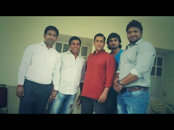 Sallu Bhai With Crew