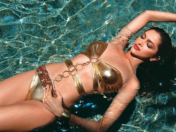 25 Bollywood's Hottest Bikini Babes