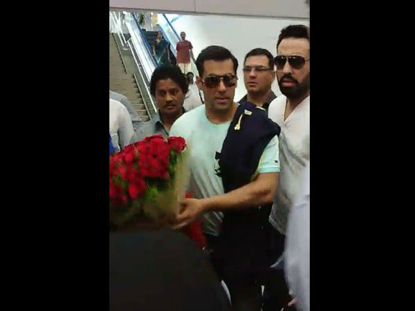 Salman Receives Warm Welcome