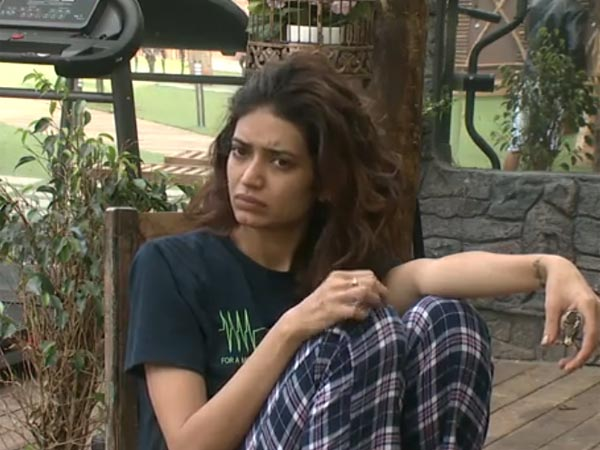 Karishma Supported Gautam