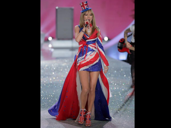 Victorias Secret Fashion Show 2014: Taylor Swift, Ariana Grande & More