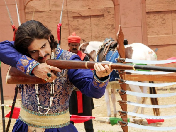 Jodha Akbar: Akbar Prevents An Attack Upon Salim