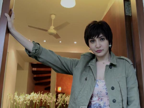 Anushka Reveals Her Transformation To Jaggu In PK (Video)