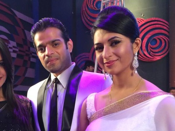 Divyanka Tripati's Birthday Wishes For Karan Patel From Yeh Hai Mohabbatein!