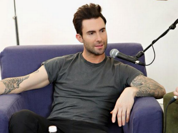 Chris Hemsworth Is A Handsome Dude: Adam Levine