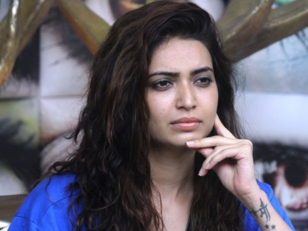 Bigg Boss 8's Karishma Tanna Does An Alia Bhatt, Says Modi Is President!