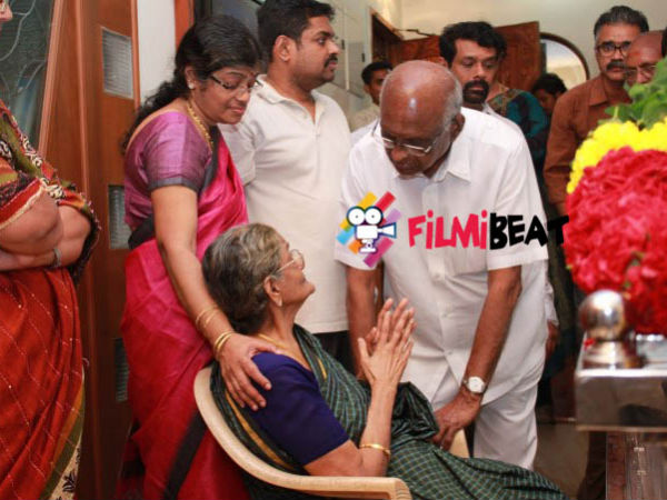 SP Muthuraman Consoles Balachander's Wife