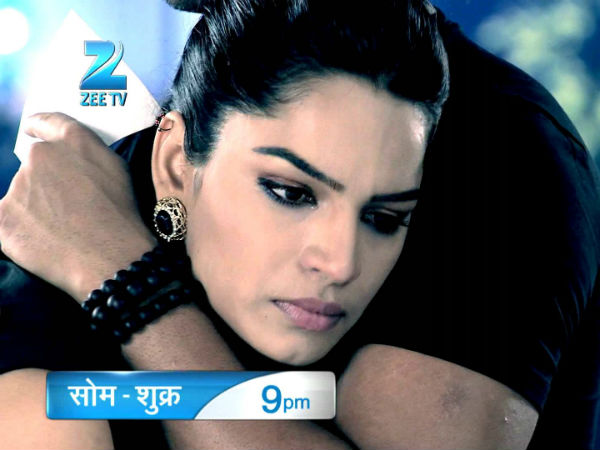 Kumkum Bhagya: Aaliya Becomes Insane; Locks Her Door From Inside