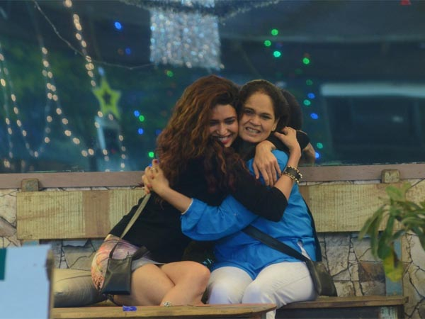 Bigg Boss 8: Diandra, Mohit Surprise Gautam; Couples-Only Party For New Years!