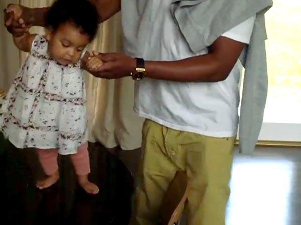 Surprising Blue Ivy Birthday Blue Ivy Carter Beyonce Blue Ivy Jay Z Funny Birthday Cards Online Kookostrdamsfinfo