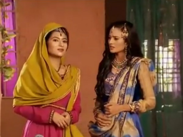 Zil Argues With Anarkali