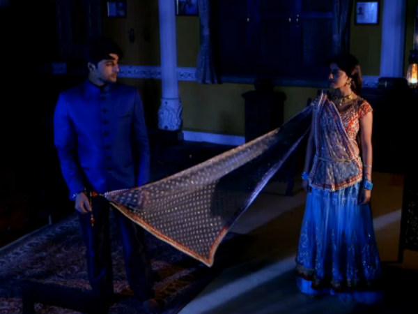 Diya Aur Baati Hum: Sandhya Chooses Career Over Sooraj; Chavi's Theft Caught