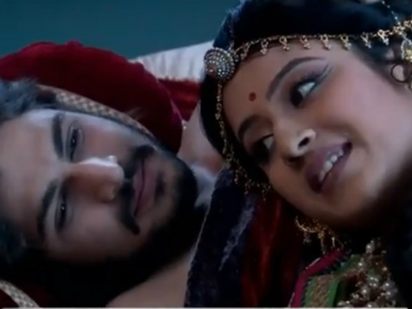 Will Salim Accept The Gift Given By Jodha, Akbar During Their Wedding Anniversary?