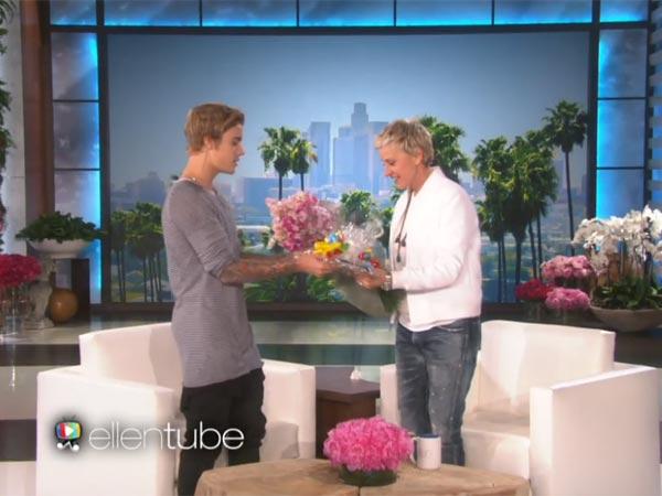 Justin Bieber Ellen Show | Justin Bieber Present Ellen