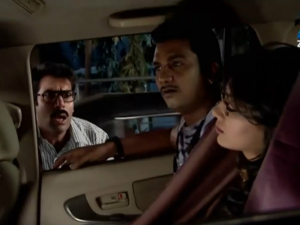 Kumkum Bhagya: Who Will Save Pragya – Abhi Or Suresh?