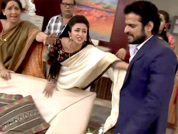 Ishita Tries To Stop Raman