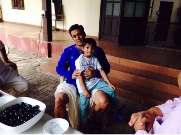 Salman's Little Friend