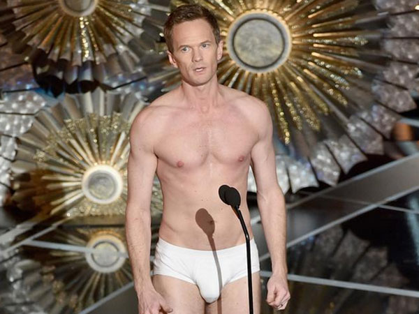 Neil Patrick Harris Went On The Stage In Undie