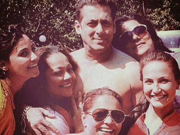Salman Khan With The Girls