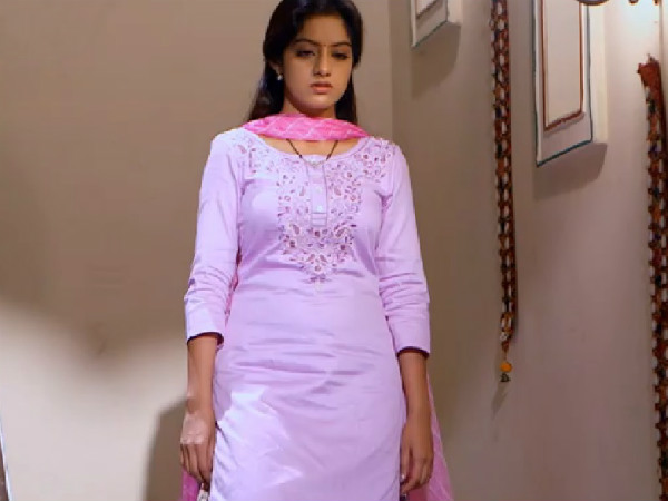 Diya Aur Baati Hum: Will Bhabho Get To Know About Sandhya's Sleepwalking?