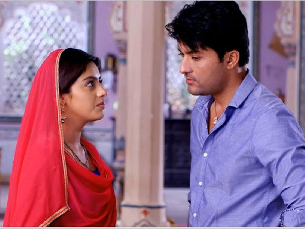 Anas Rashid Misbehave With Deepika Singh | Deepika Slap Anas On The Sets Of  | Diya Aur Baati Hum - Filmibeat