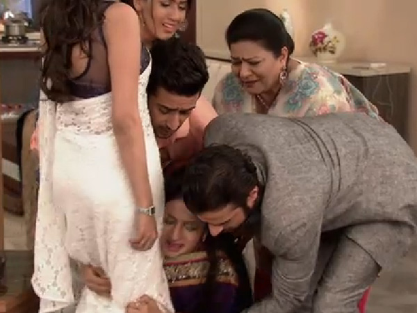 Ishita Falls At Shagun's Feet