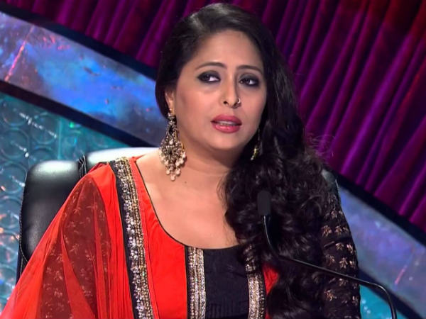 Geeta Kapoor | Dance India Dance Judge | Geeta Kapoor In Trouble | Geeta  Rams Car Into Biker - Filmibeat