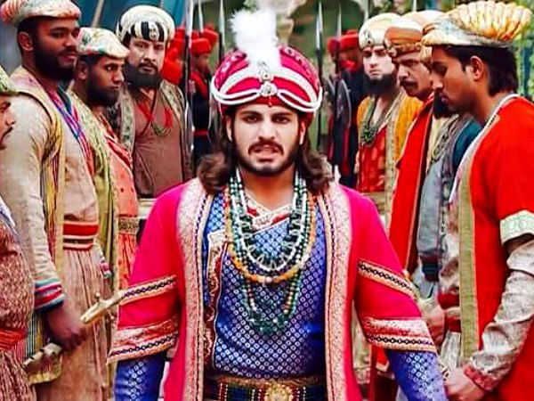 Jodha Akbar: Akbar Gets Whipped For The False Accusation
