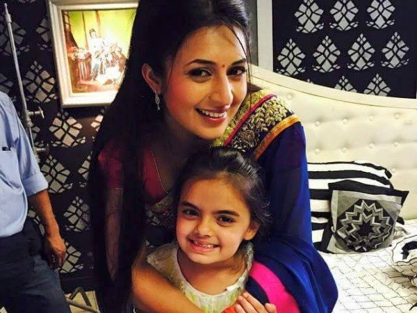 Yeh Hai Mohabbetein: Ishita Escapes With Ruhi