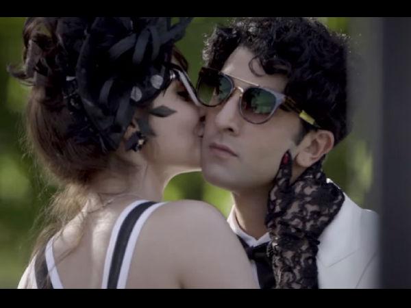 Bombay Velvet | Anushka Ranbir Hot Kiss | Anushka Ranbir