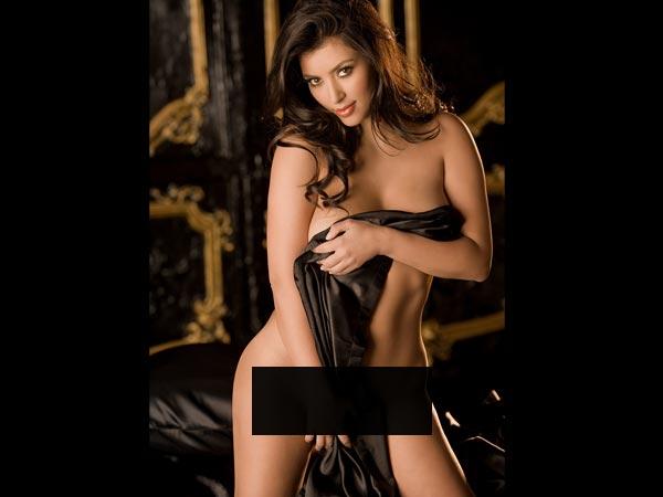 Kim Kardashian naked in photo from W Magazine porn shoot