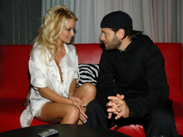 Sex Issues Reason Behind Pamela Anderson & Nick Salomon's Divorce