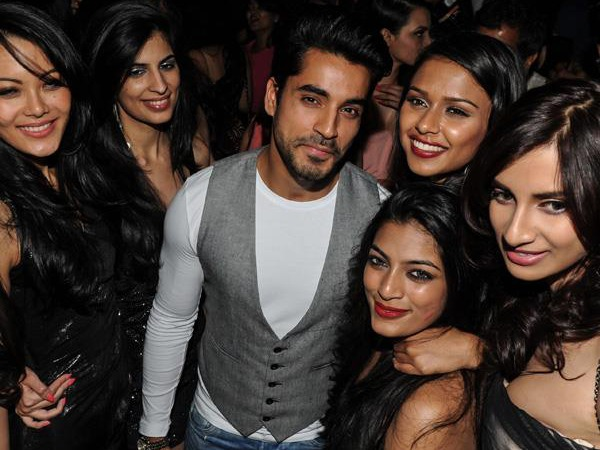 Gautam Gulati Partying With Femina Miss India Contestants After Signing Films!