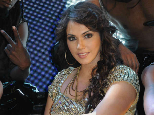 isha koppikar date of birthisha koppikar date of birth, isha koppikar instagram, isha koppikar facebook, иша коппикар, isha koppikar and timmy narang, isha koppikar husband, isha koppikar daughter, isha koppikar hot scene, isha koppikar movies list, isha koppikar kiss, isha koppikar daughter pics, isha koppikar hot images, isha koppikar bikini