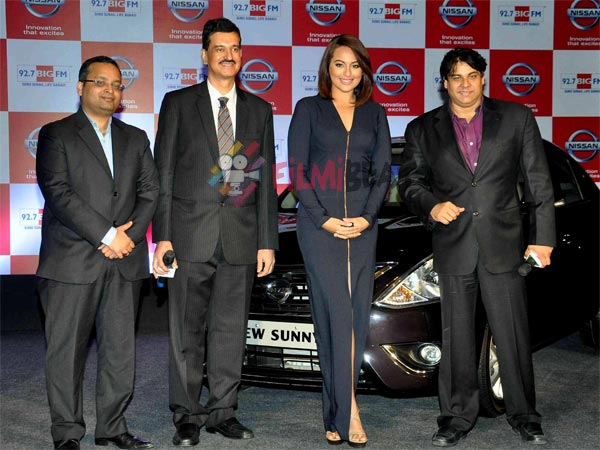 Sonakshi With Officials