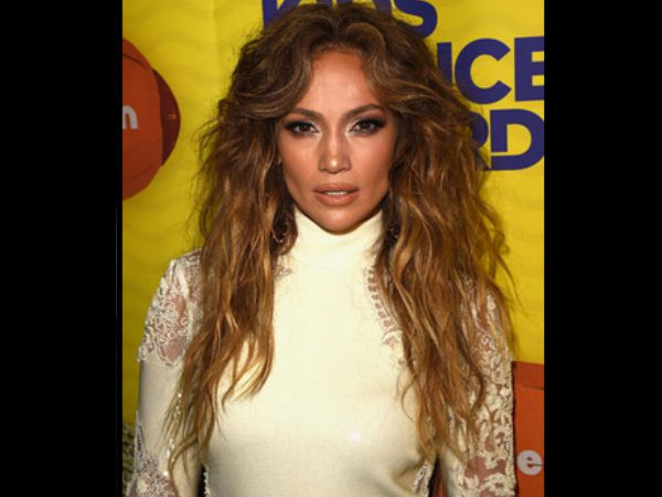 Jennifer Lopez Says She Is Single After Her Kiss Pic Leaks