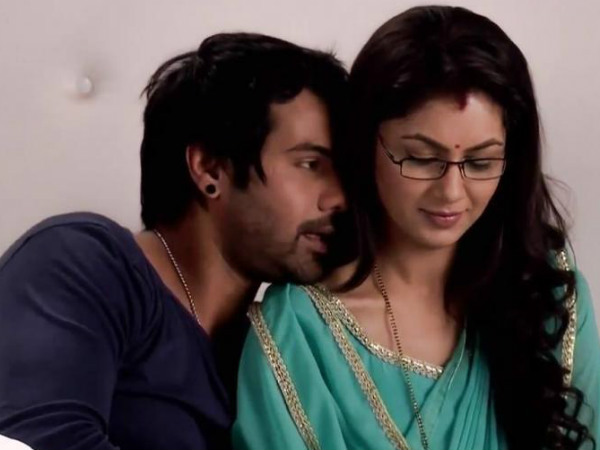 Kumkum Bhagya: Abhi Confesses His Love To Pragya, But….