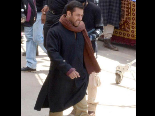 Salman On Streets Of Kashmir