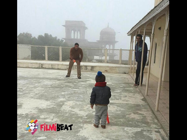 Salman Playing With A Kid