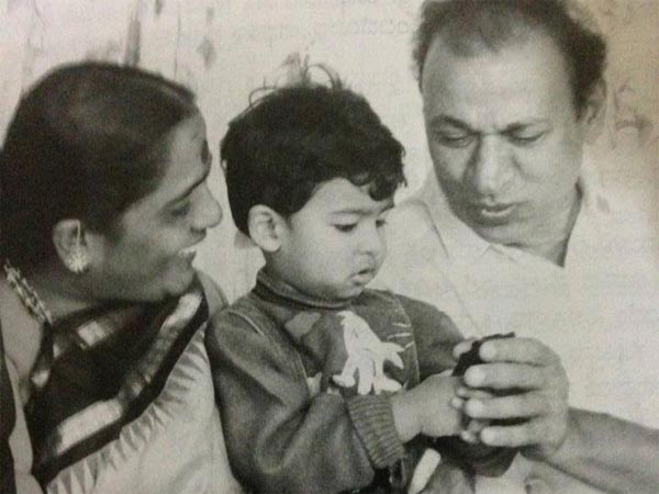 Vinay Rajkumar With Grandparents Dr Rajkumar And Parvathamma