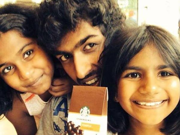 Vinay Rajkumar With Appu's Daughters Vandhitha And Druthi