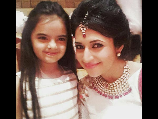 Divyanka With On-Screen Daughter