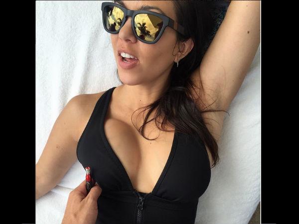 Natasha henstridge boobs in species ii scandalplanetcom - 1 part 1