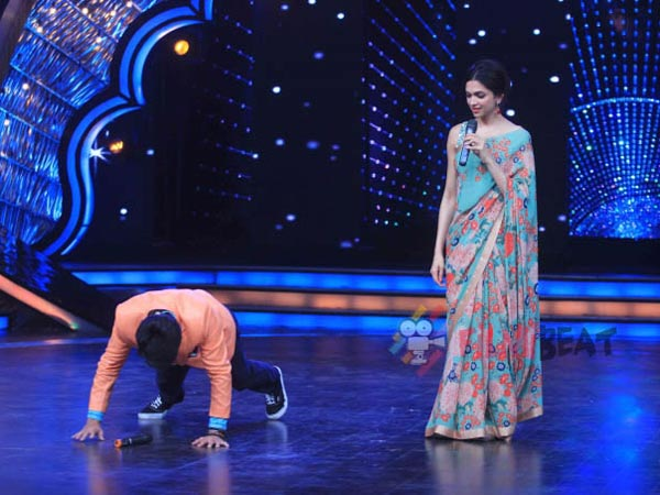 Deepika Padukone On Dance India Dance Super Mom Sets Promoting Piku! [PHOTOS]