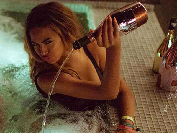 Beyonce Is Pouring An Expensive Wine In 'Feeling Myself' Video